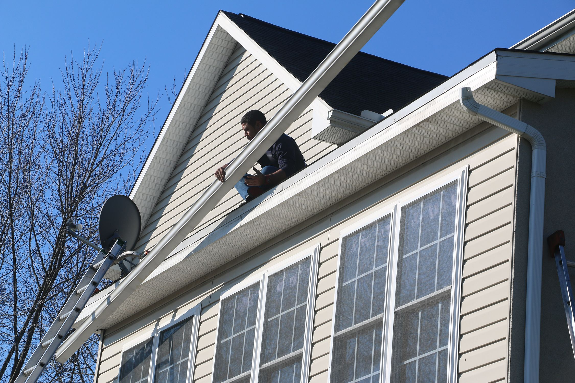 We Specialize In Roofing Siding And Gutters Give Us A Call 864 921 1738 Or Visit Us Online At Https Roebuckroofing Com Spartanburg Roofing Siding Gutters