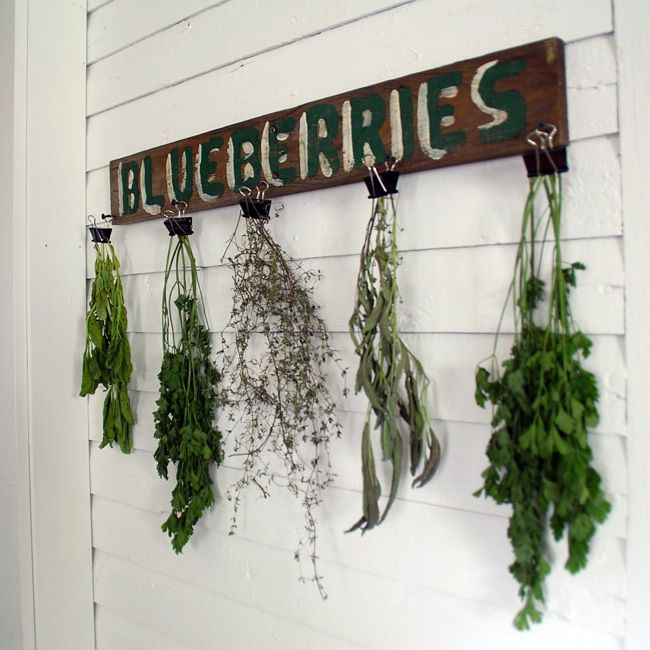 Herb Drying Rack Using An Old Sign And Binder Clips Herb Drying Racks Drying Herbs Rustic Diy