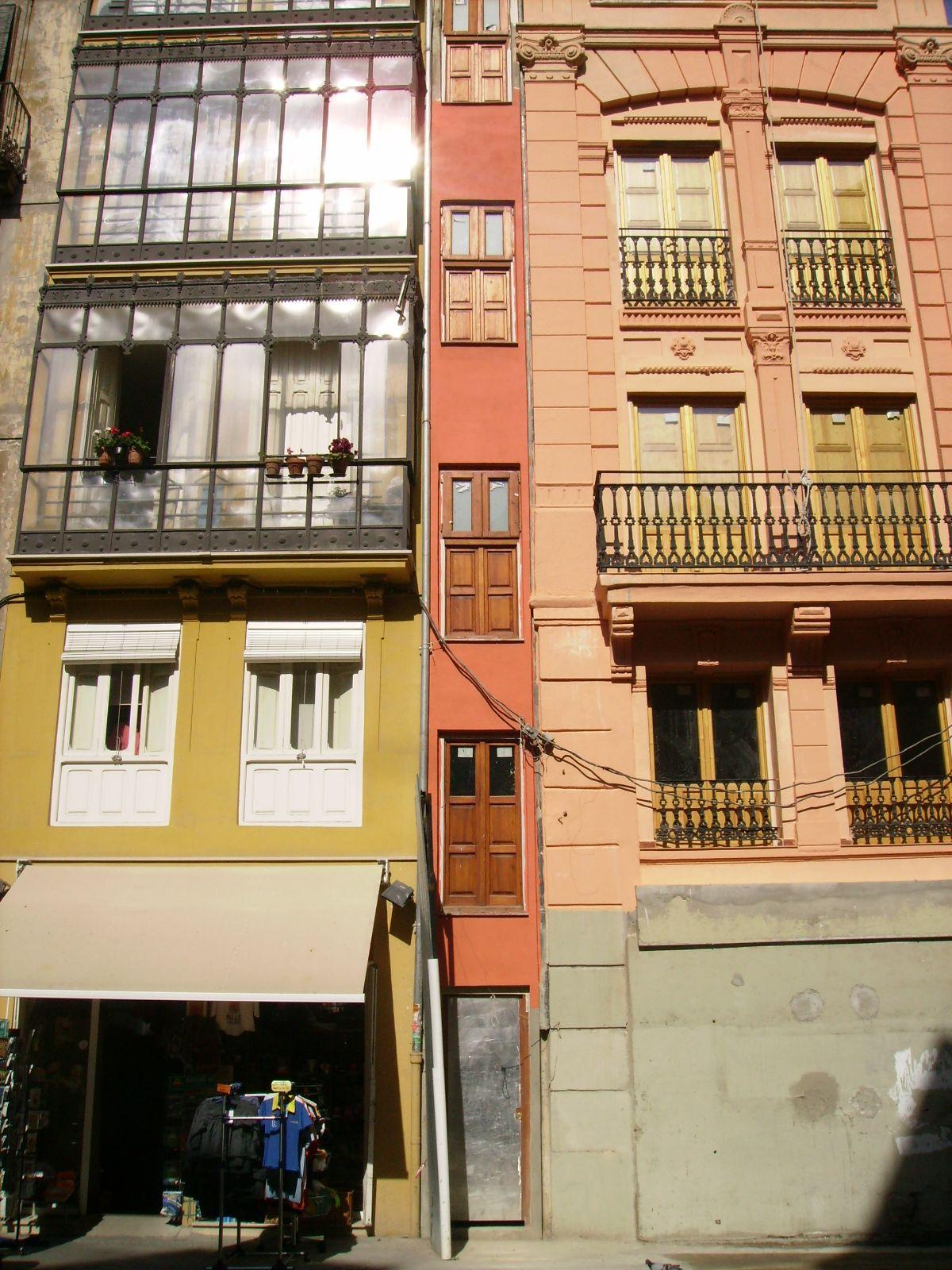 Casa con fachada más estrecha de Europa (1'08m) Valencia