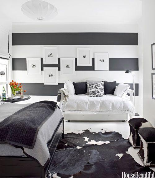 30 Black White Living Rooms That Work Their Monochrome Magic: How To Decorate With Black-and-White