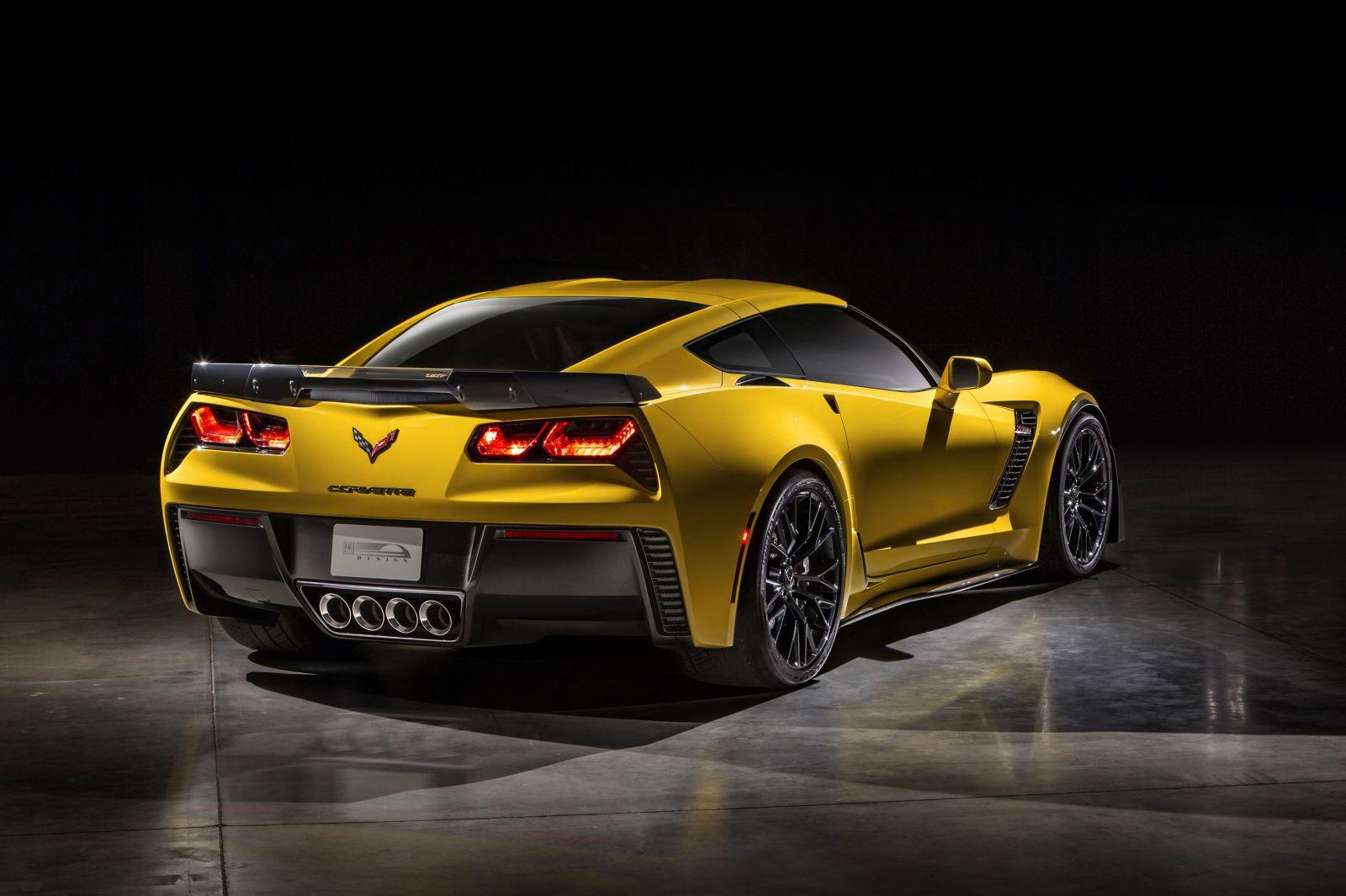 Why the New Z06 Is the Ultimate Corvette  - PopularMechanics.com