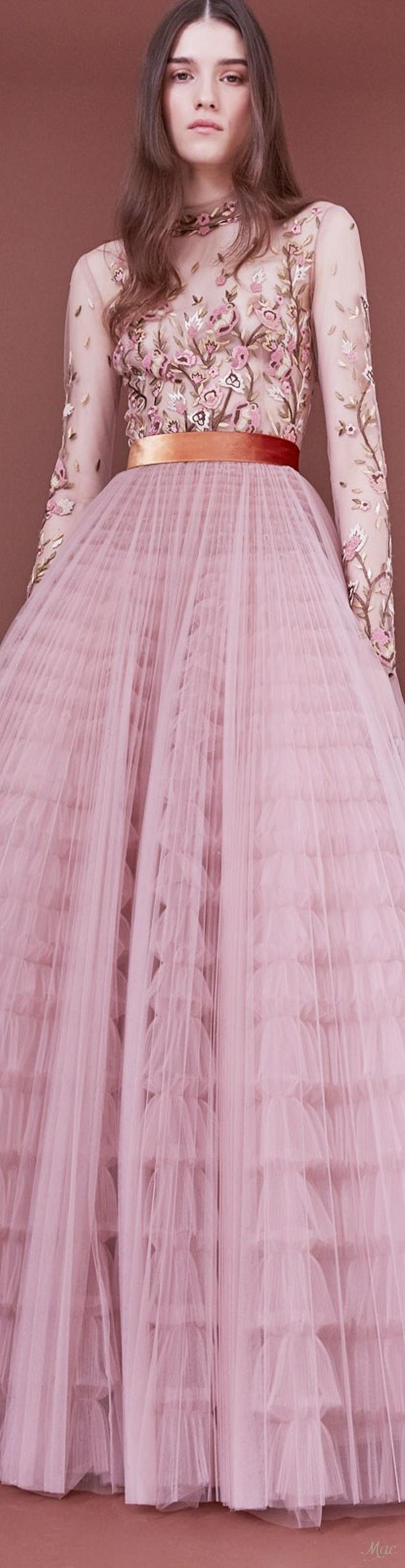 Pre-Fall 2018 J. Mendel | Fashion | Pinterest | Rosas rosadas y Rosas