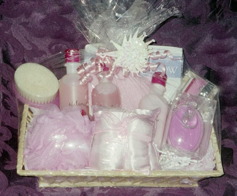 Avon i offer custom made gift baskets for all occasions filled avon i offer custom made gift baskets for all occasions filled with avon goodies negle Image collections