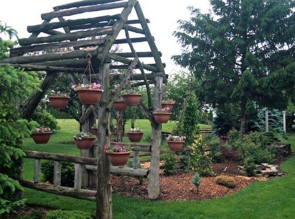 comment construire une pergola en bois brut pour le jardin. Black Bedroom Furniture Sets. Home Design Ideas