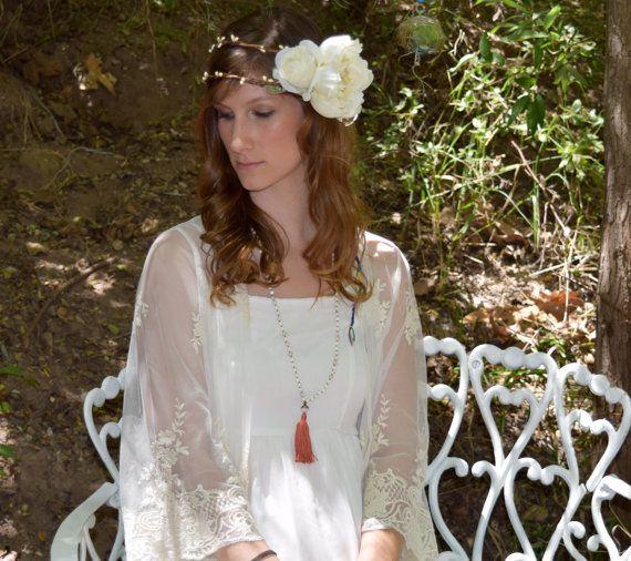 die besten 25 bridal wreaths ideen auf pinterest wei bl hende str ucher bl hende str ucher. Black Bedroom Furniture Sets. Home Design Ideas
