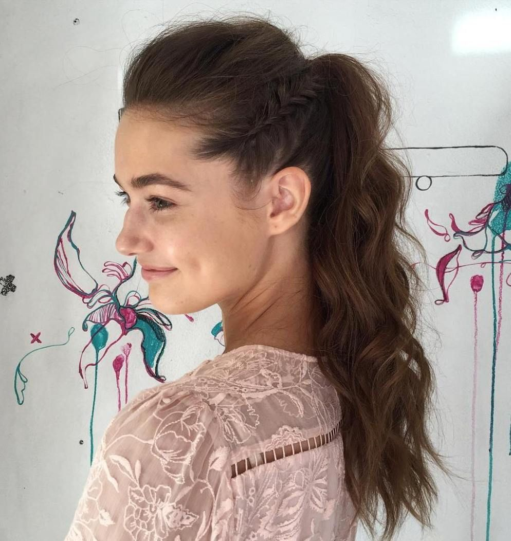 eyecatching ways to style curly and wavy ponytails wavy
