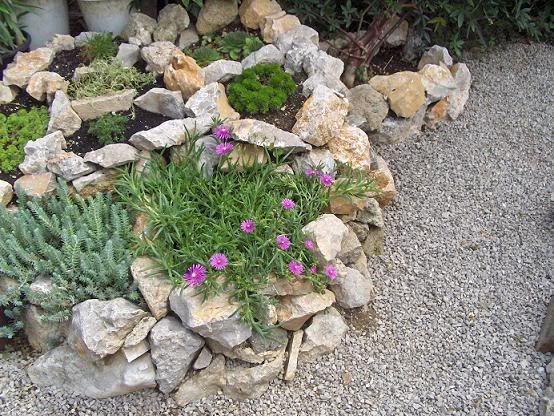 Idee per giardino roccioso cerca con google gardening for Sassi finti per giardini