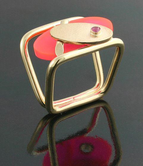 Bauhaus jewelry my jewellery lab Pinterest Bauhaus