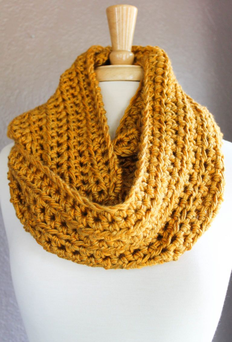 Easy Crochet Infinity Scarf Pattern Using Half Double Crochet | Knit ...