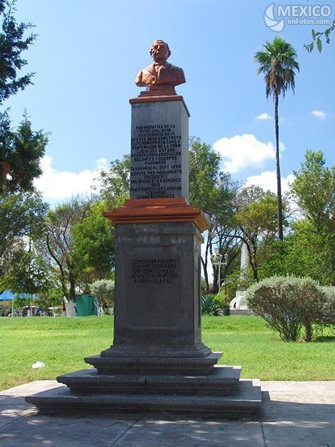 Monumento A Benito Juarez En Anahuac Nuevo Leon Monumentos