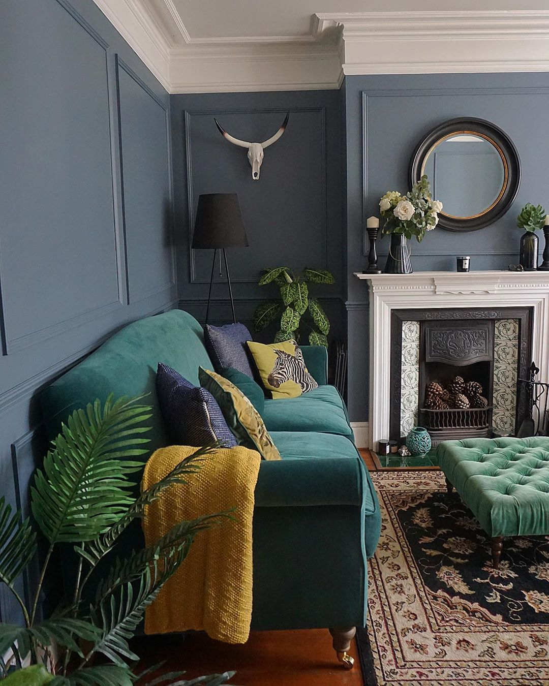 Pin By Rachel Ferguson On Denver Home Decor In 2020 Victorian Living Room Living Room Color Interior Design Bedroom Small