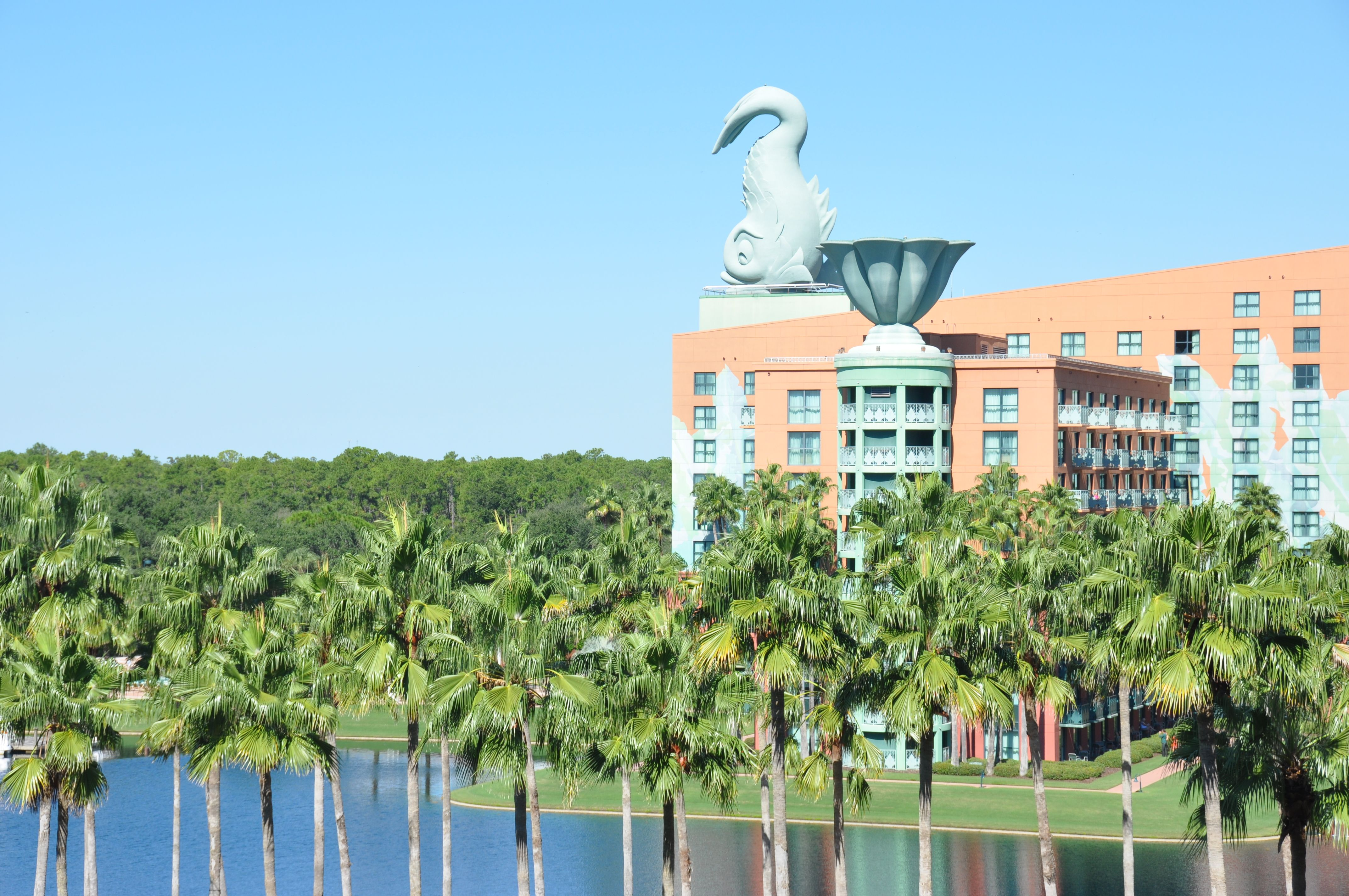 The Best of Both Worlds? The Swan and Dolphin Resorts - Family Travel Magazine Blog and Reviews