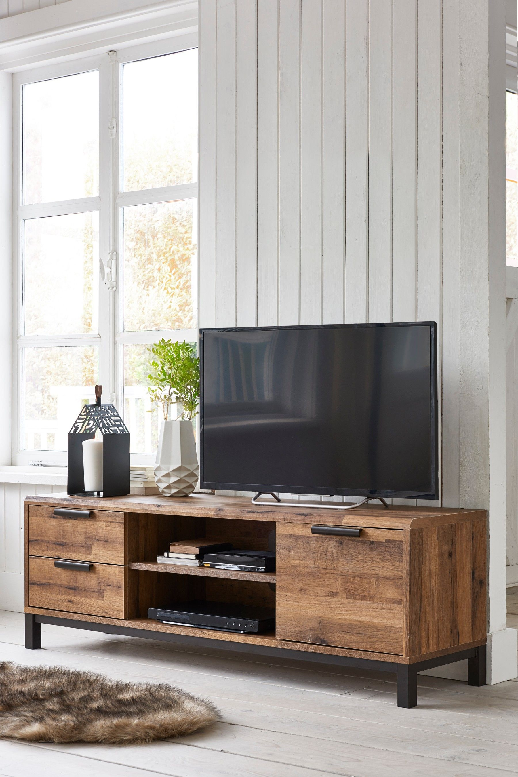 Bronx Wide TV Stand Living room furniture, Entertainment