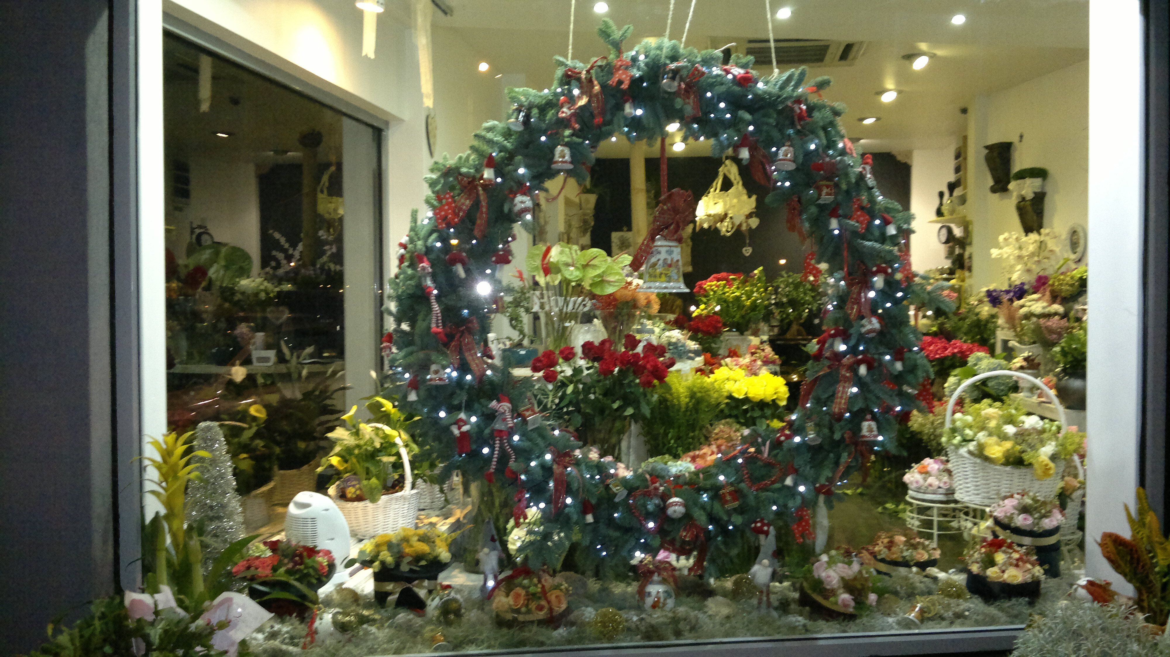 Flower Shop Christmas Window Display Designed By Adrian Ionita