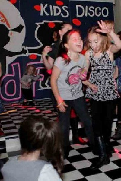 Give A Surprise Party To Your Kids In Melbourne Australia - Children's birthday entertainment melbourne