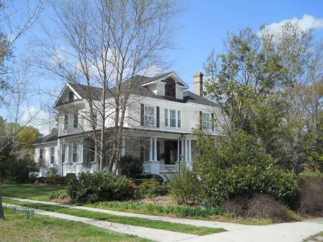 This Is Adorable Does It Snow Historic Home Harmony House Southern Style Home