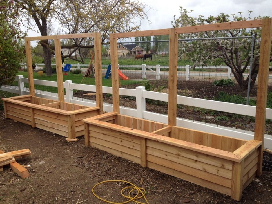 Design Ideas Simple Unpolished Fence Cedar Planter Boxes 400 x 300