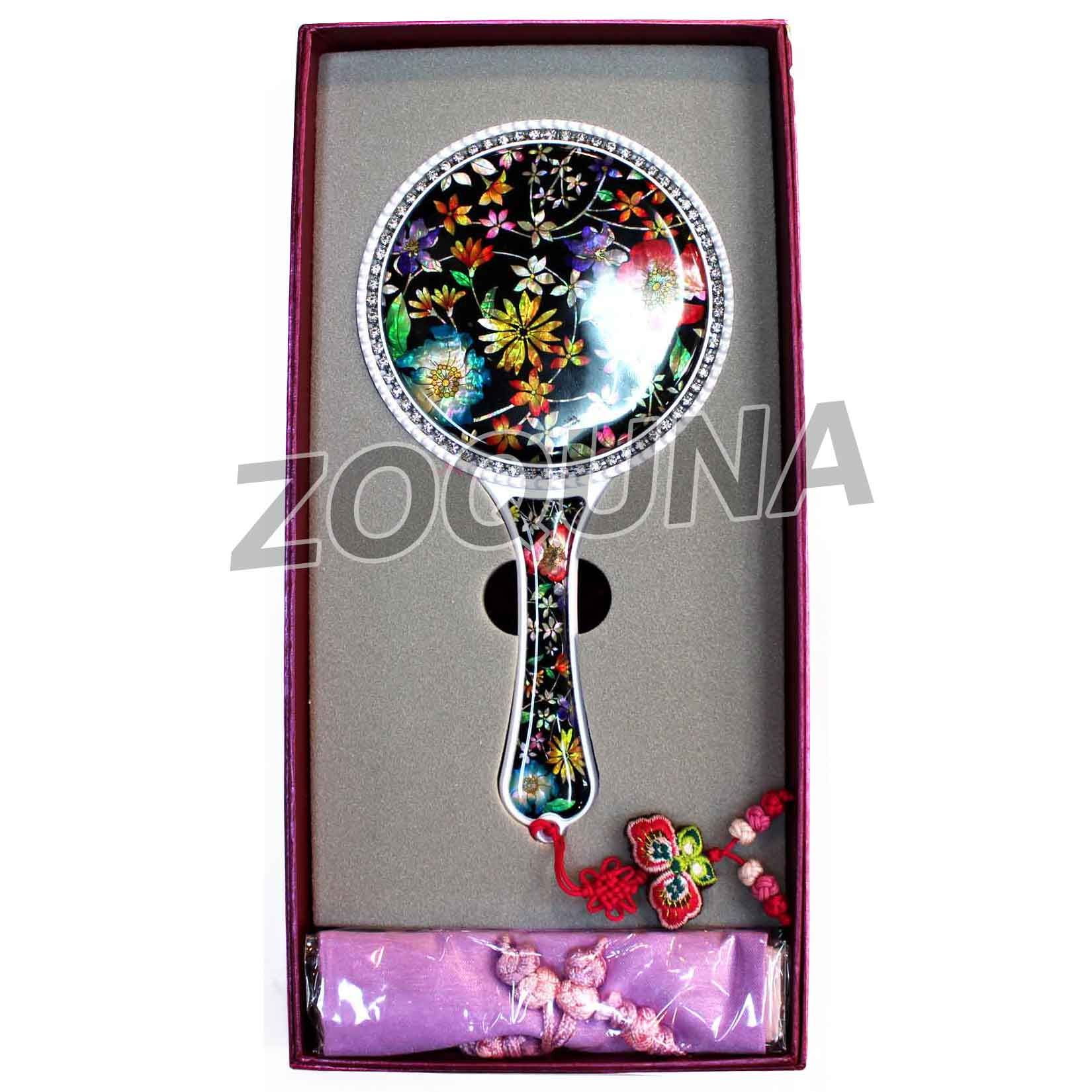 hand holding antique mirror. Hand Holding · Appearance Is Important! Http://zoquna.com/product/vintage- Antique Mirror I