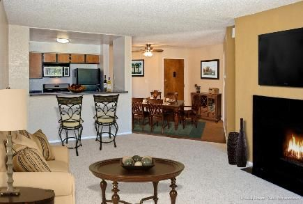 Variety and comfort at Coldwater Canyon in Studio City