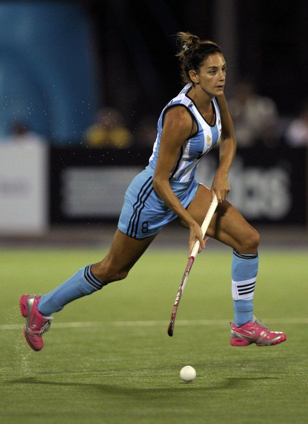 how to become a field hockey player