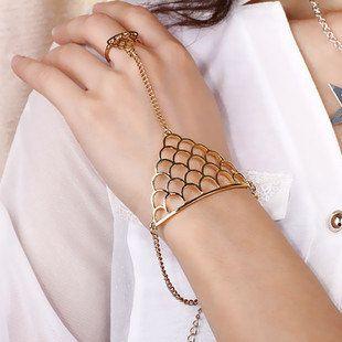 Dreieck Ring - Golden Harness Rüstung geometrische verbunden Metall Slave verstellbarer Ring Armband Armreif, Handchain Hand Gliederkette