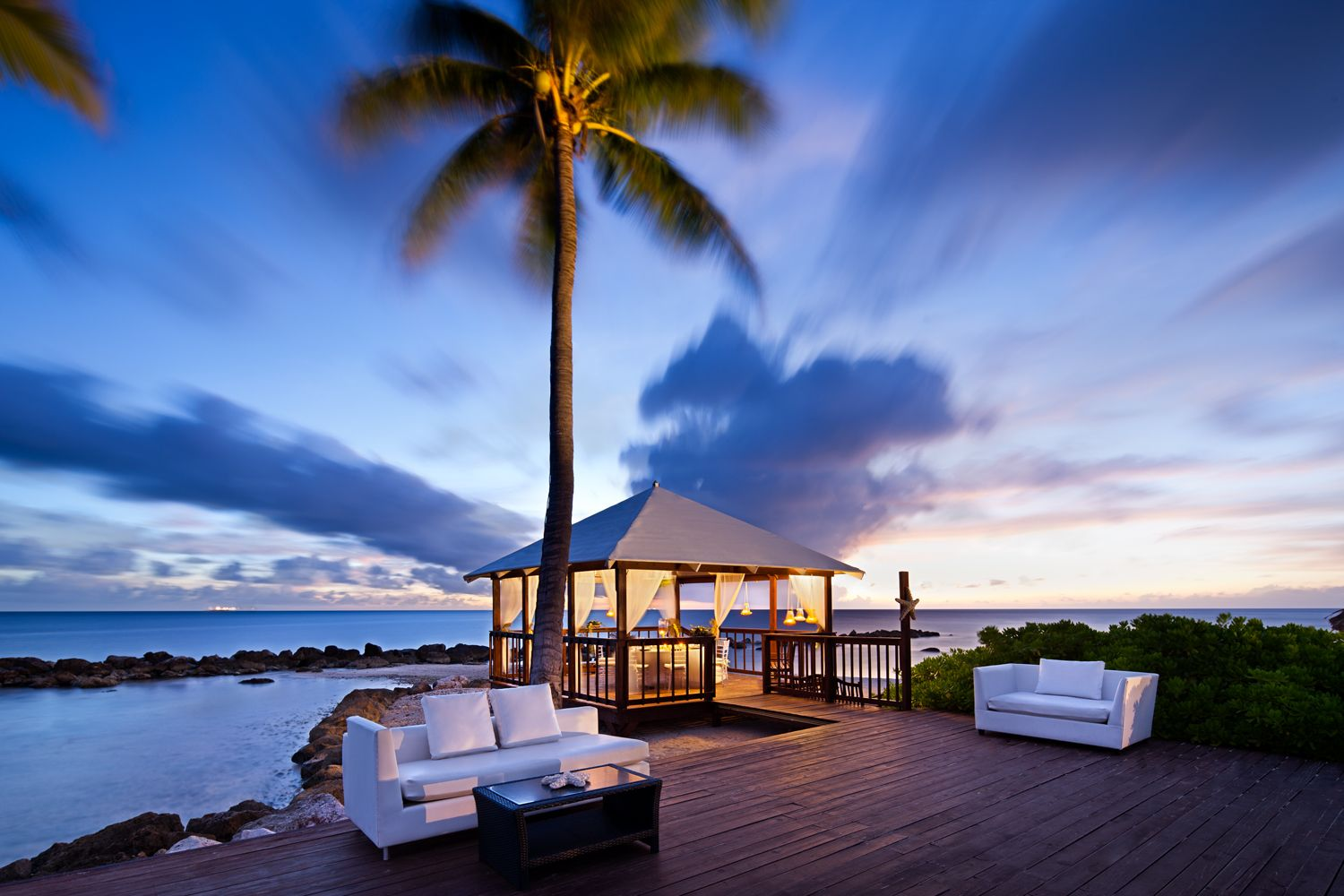 sunset at the curacao marriott beach resort and emerald. Black Bedroom Furniture Sets. Home Design Ideas