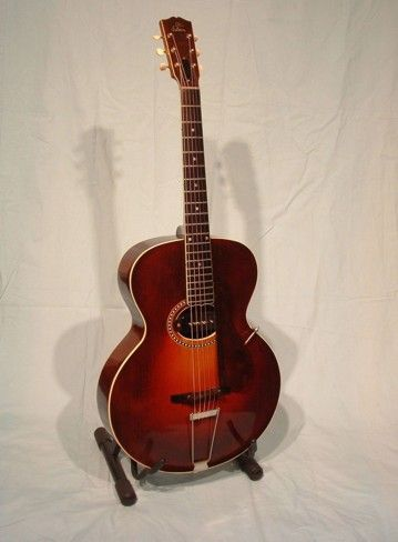 1919 gibson Guitar. Ahhhhh, drooling.