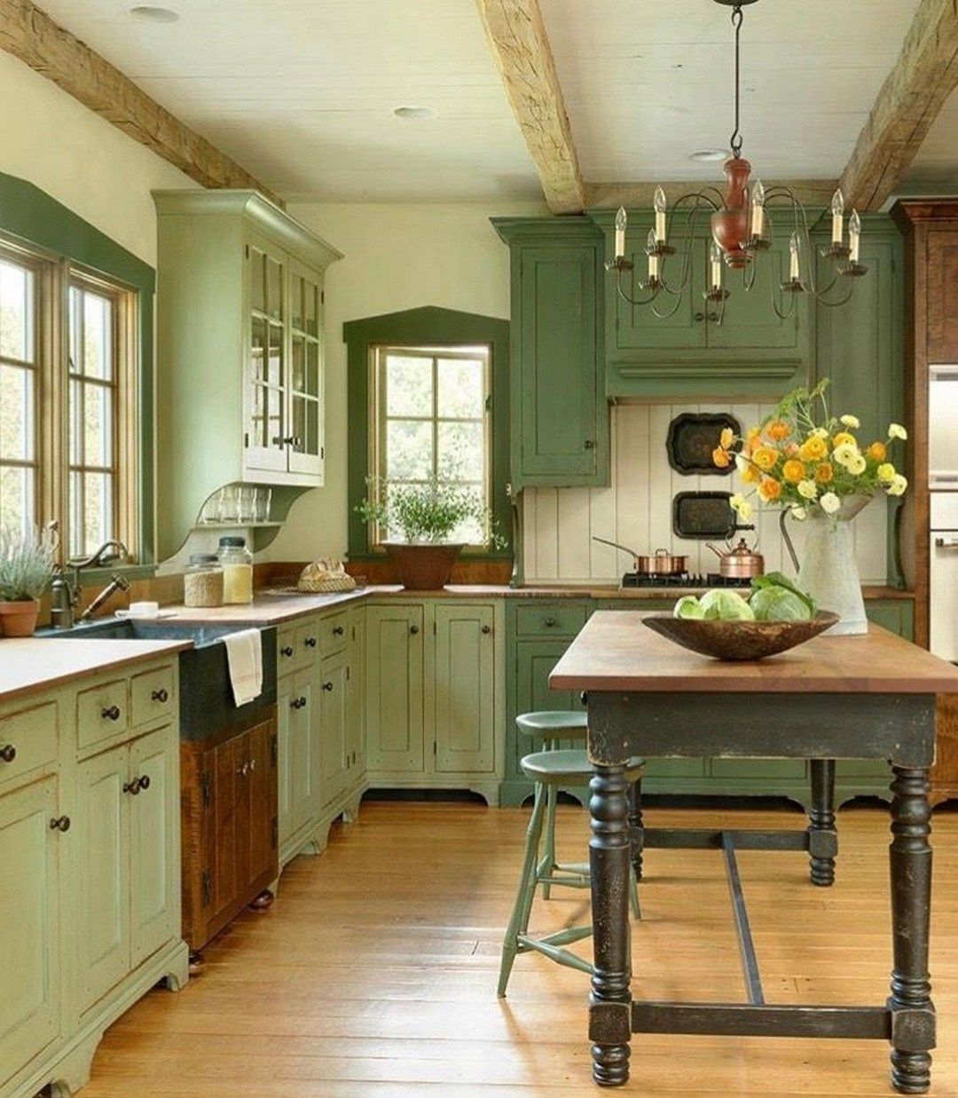 31 Popular Green Kitchen Cabinet Colors Ideas (11) - Green kitchen cabinets, New kitchen cabinets, Kitchen renovation, Rustic kitchen, Kitchen design, Country kitchen - 31 Popular Green Kitchen Cabinet Colors Ideas (11)
