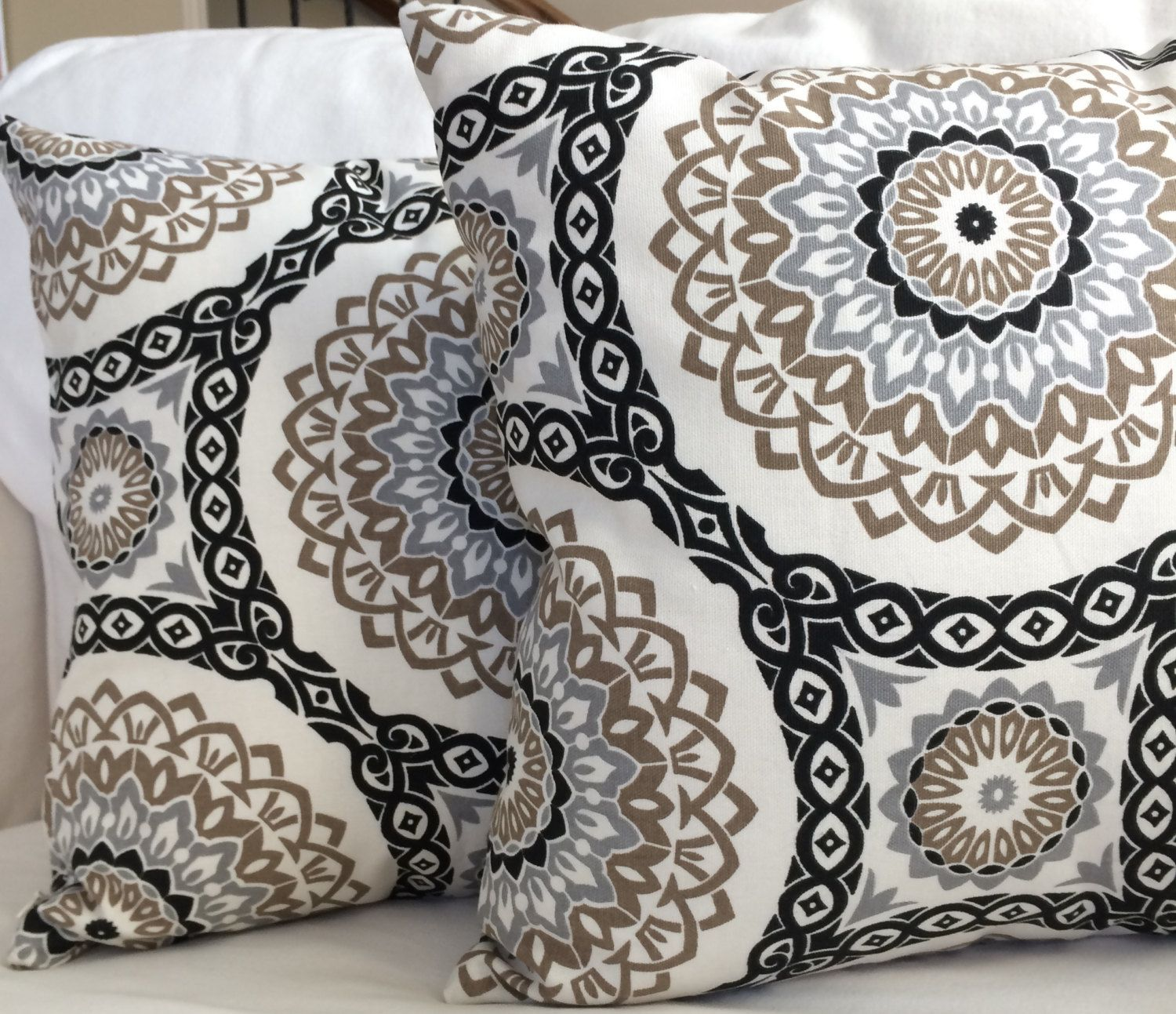 Luxury EMBROIDERED EMBROIDERY Decorative Black//White Cushion Cover 16 X 16/""