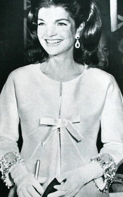 her clothes and jewelry in this photo are impeccable just timeless jacqueline kennedy photo. Black Bedroom Furniture Sets. Home Design Ideas