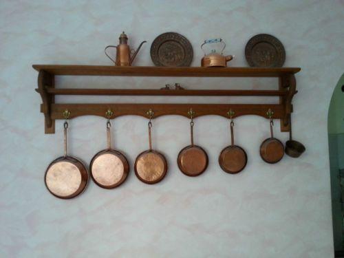 Mensola piattaia legno massello + set oggetti in rame | eBay ...