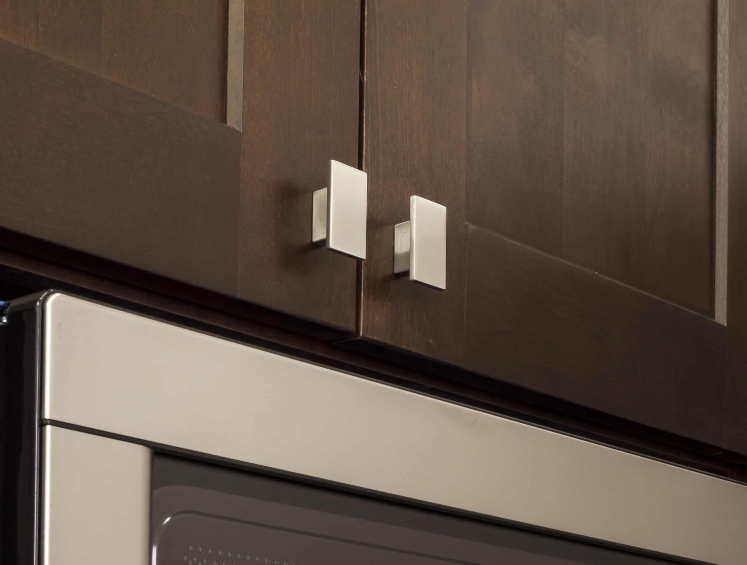 Beautiful Mirada Cabinet Knob By Jeffrey Alexander By Hardware Resources. (81021SN  Shown In Use)