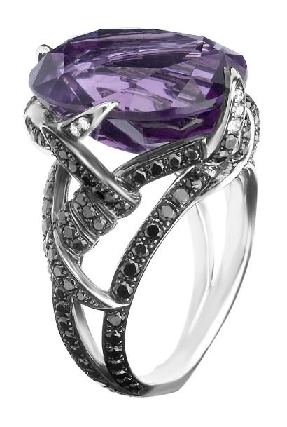 Stephen Webster 'Bondage Barbs' ring.