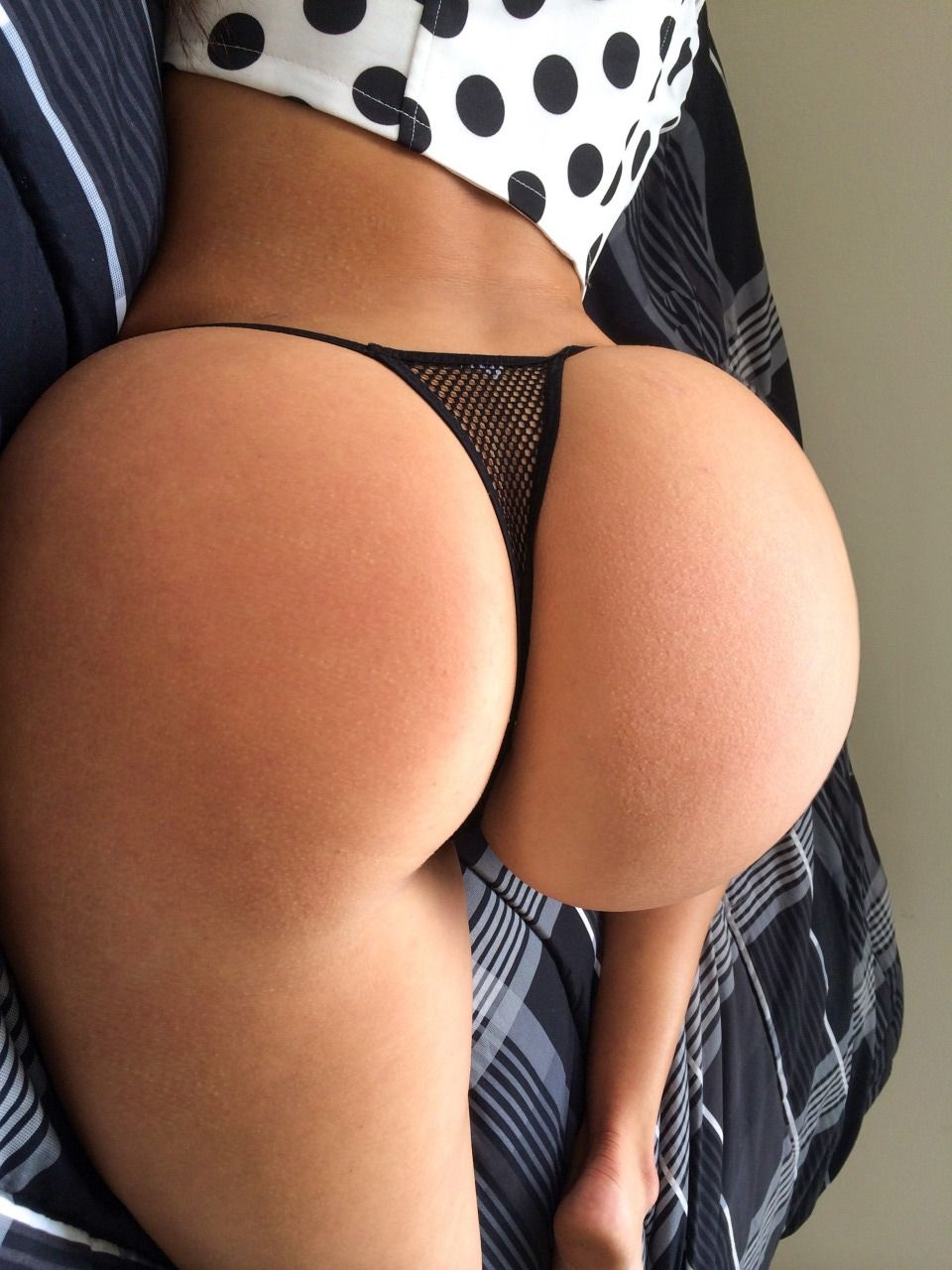 Black butt thong