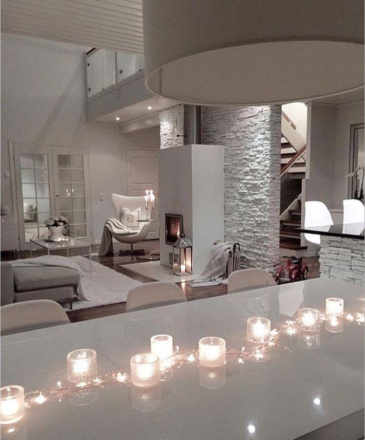 Soggiorno nel 2019 case di design arredamento salotto for Arredamento case di lusso interior design
