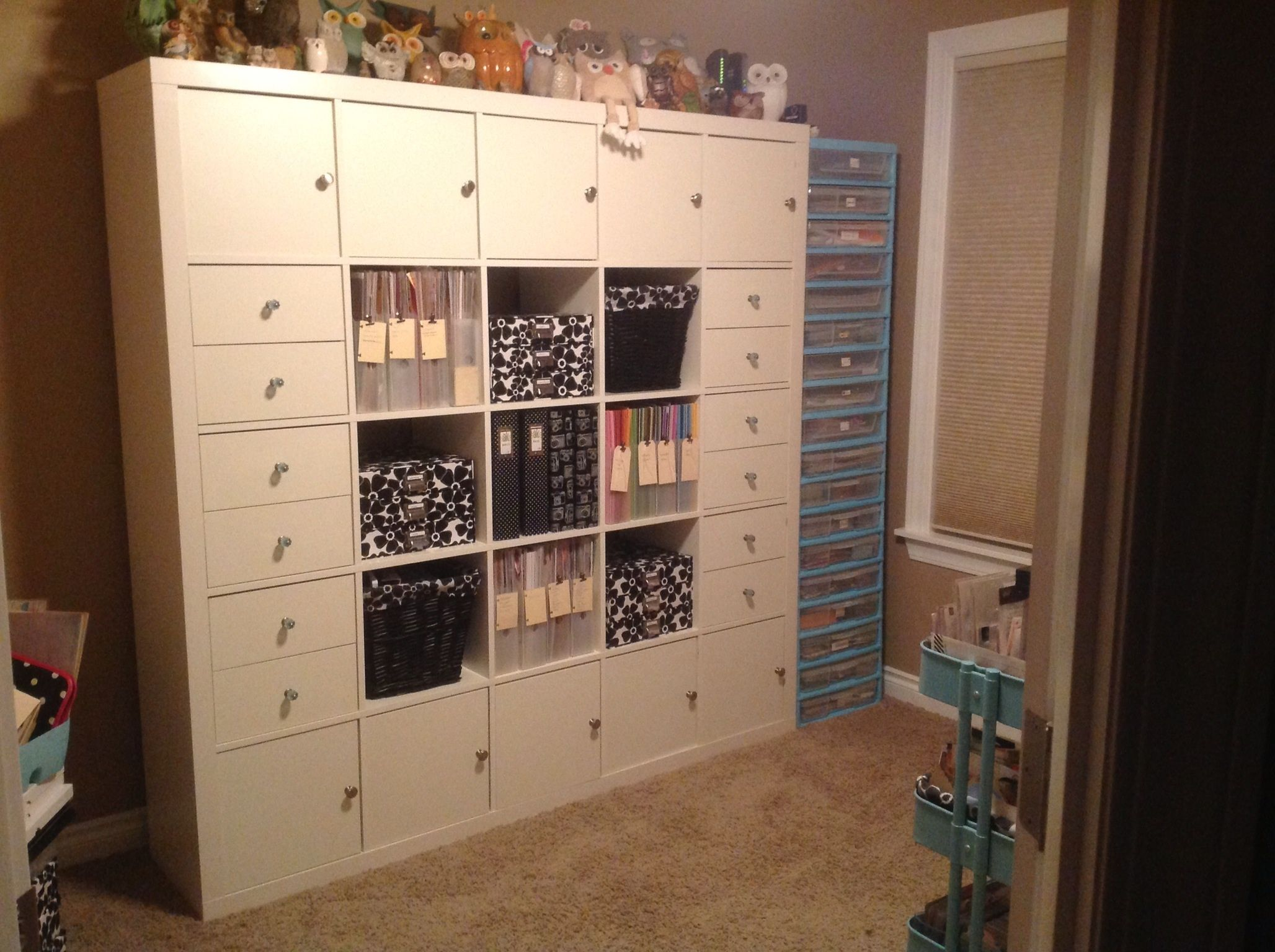 Whoa I Love The Door Drawer No Drawer Pattern Here Can T Beat Ikea Expedit Scraproom Meuble A Fabriquer Soi Meme Expedit