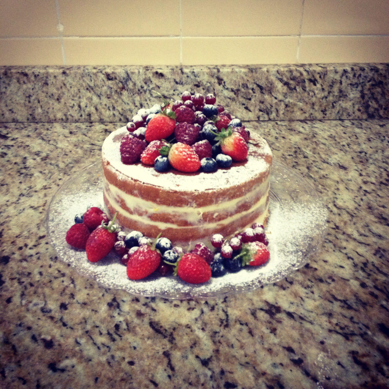 Naked cake de limão siciliano com frutas vermelhas!!!!