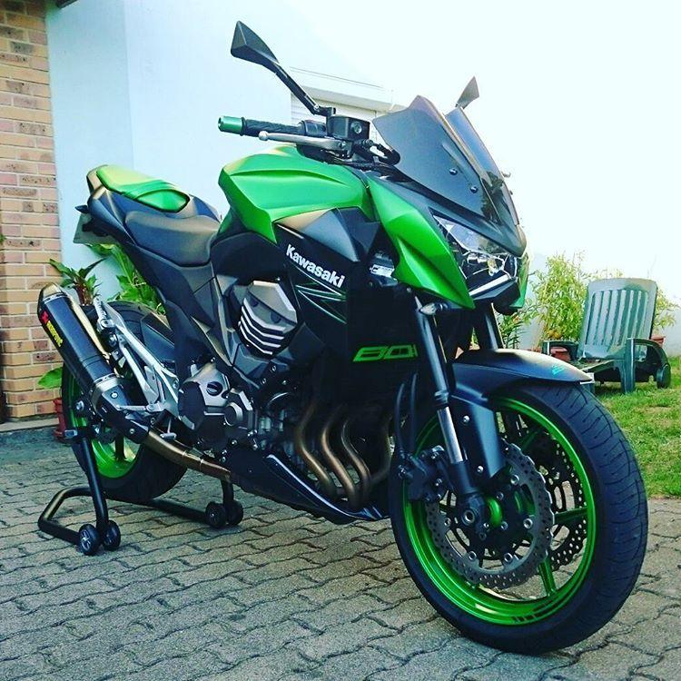 """""""Au guidon de votre moto  L'impossible devient possible  La tristesse devient votre plus grand bonheur"""" #teamkawasaki #teamgreen #z800e #motorbike #akrapovic #passion"""