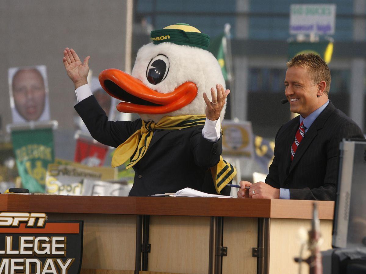 Lee Corso with the Duck head at ESPN College GameDay! | The Duck ...