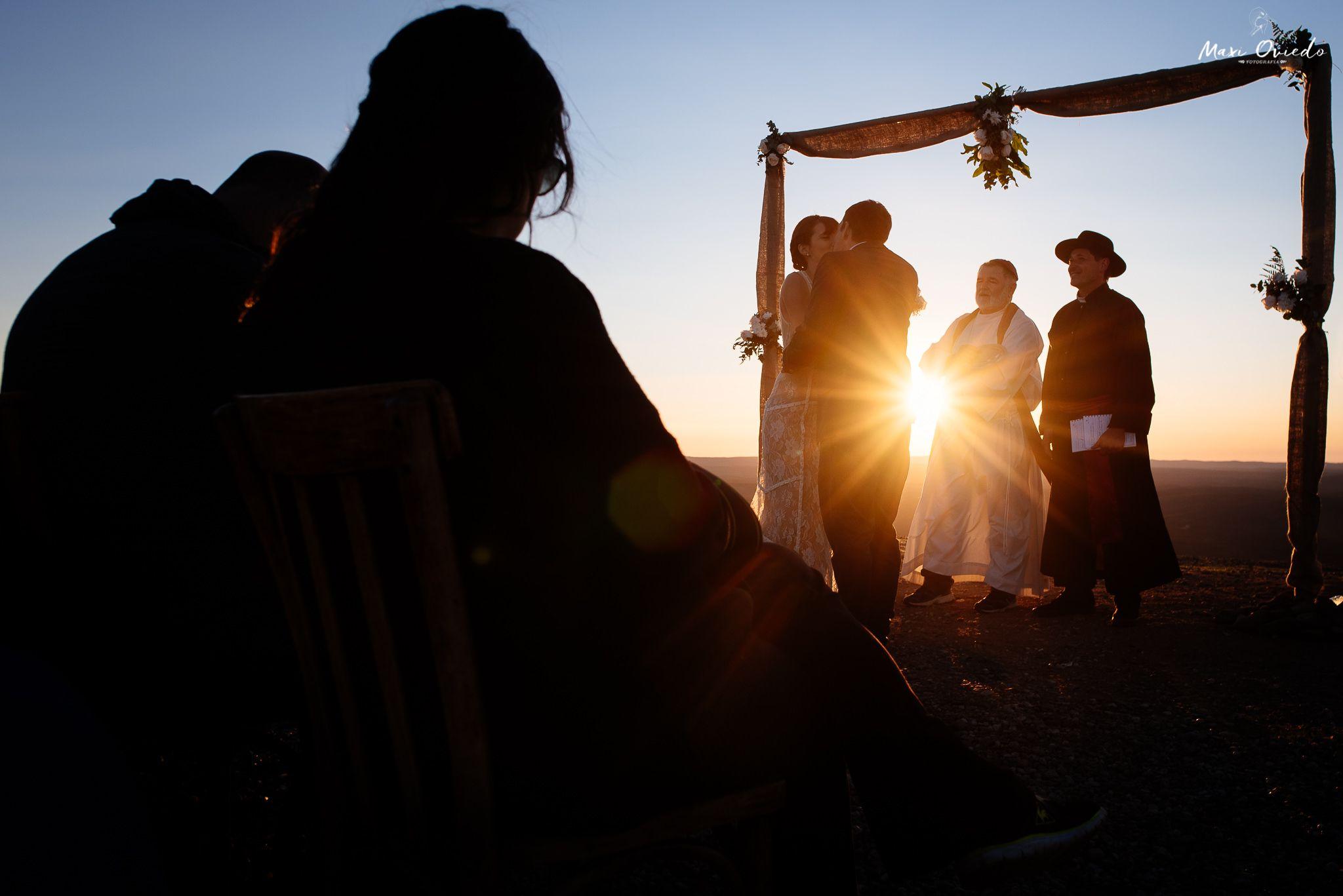 boda sextuple la cumbre cordoba cuchi corral fotografo de bodas fotografo de casamientos rosario san nicolas argentina vestido de novia ramo de novia-37.jpg