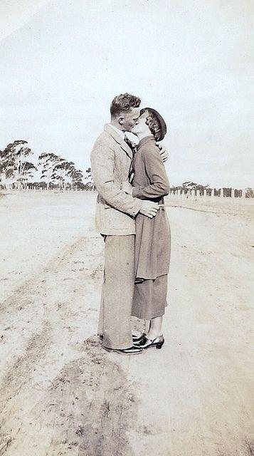 C 1930 S Vintage Fashion Style 30s Found Photo Couple