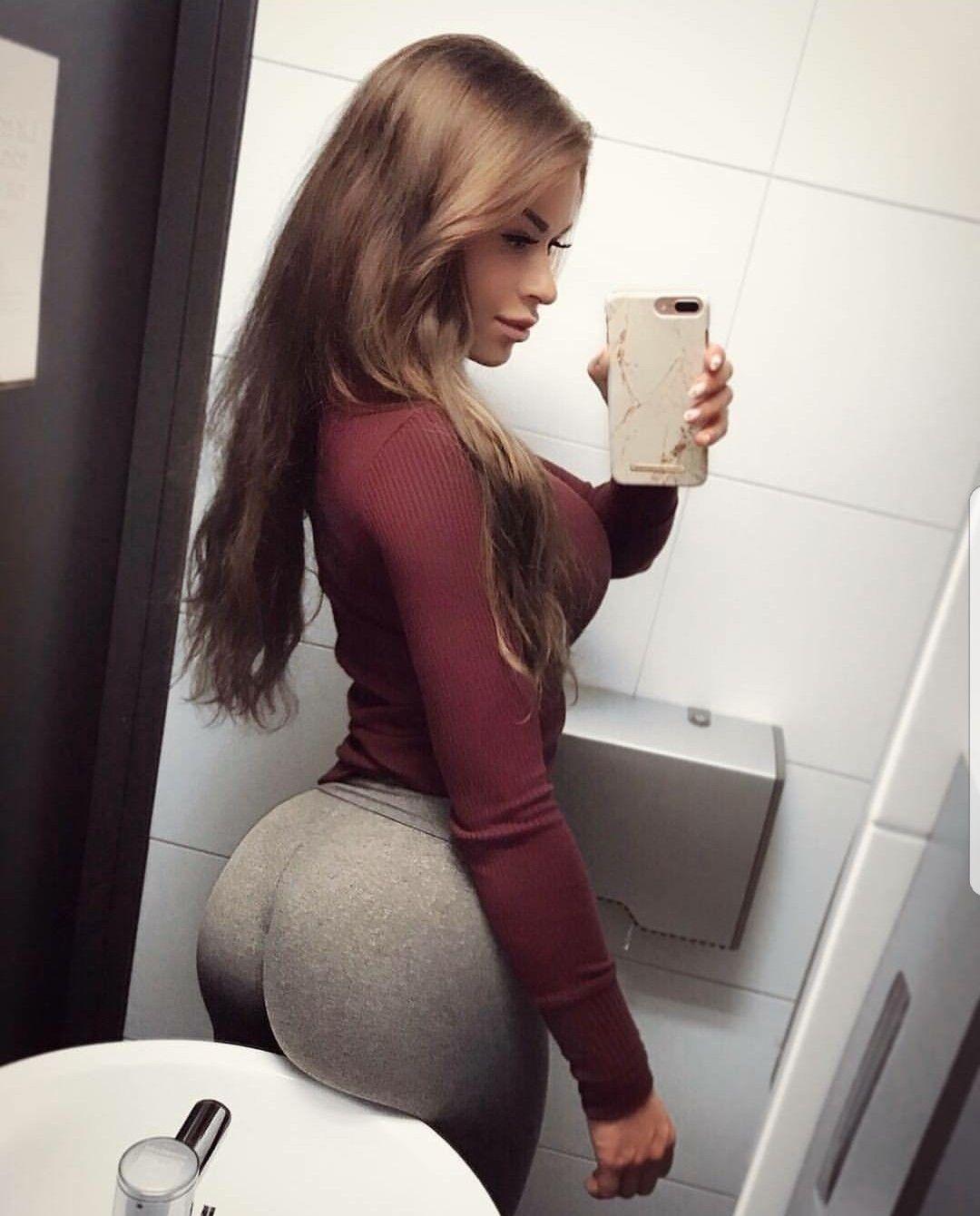 girls showing ass mexican