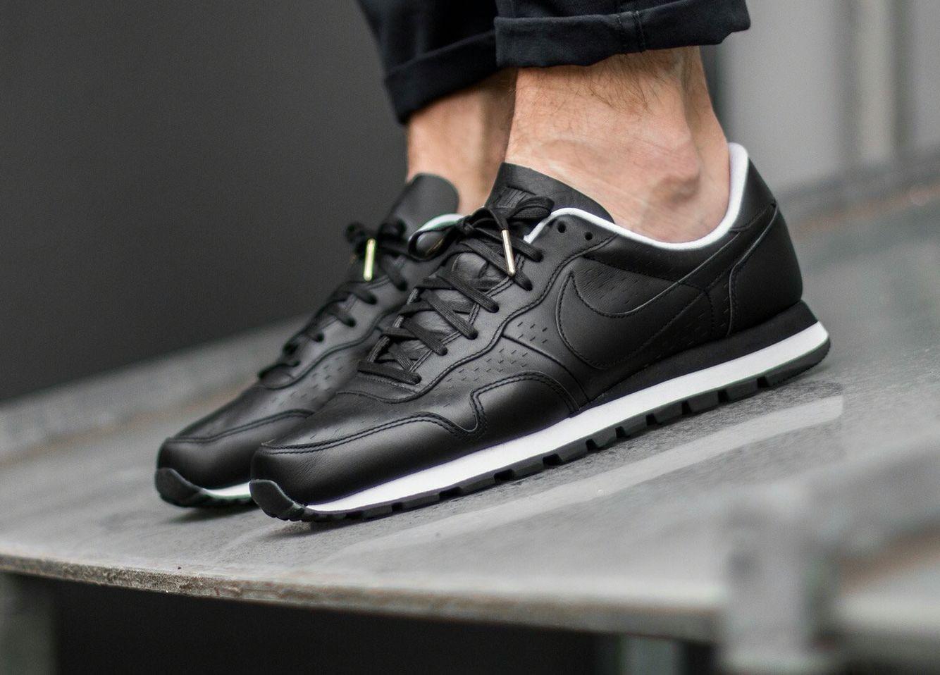 Nike Air Pegasus 83 Premium Leather: Black
