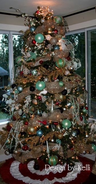 turquoise blue red gold black christmas tree this site has a lot of christmas decorating. Black Bedroom Furniture Sets. Home Design Ideas