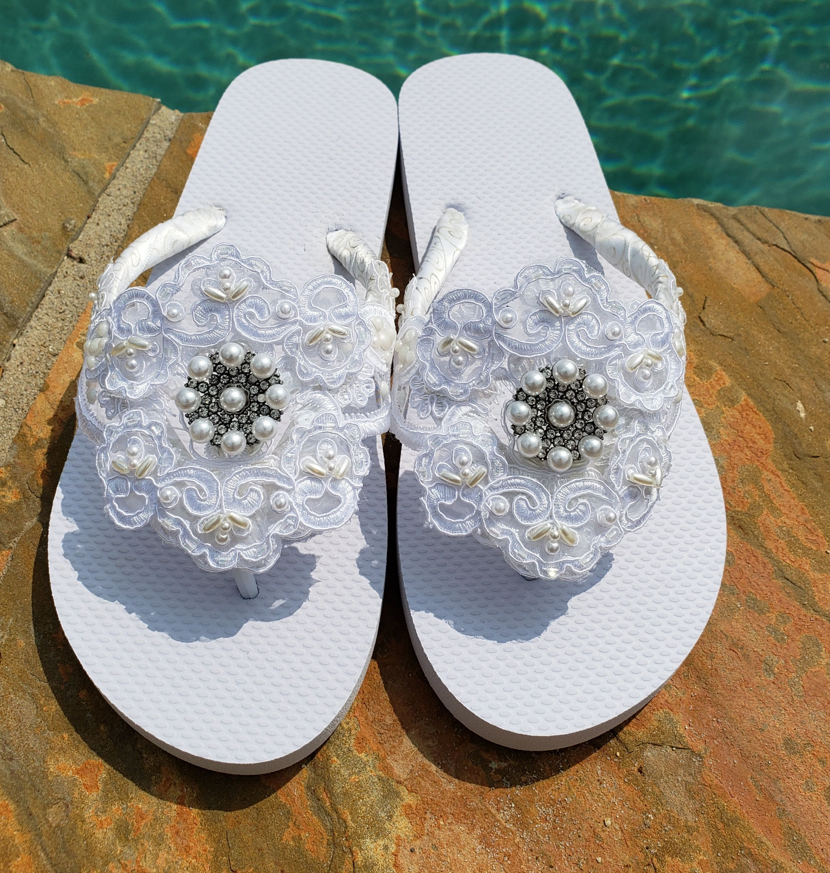 White Bridal Flip Flops, Bridal Lace, Bridal Pearls, Beach Wedding Shoes, Bridesmaid Slippers, Wedding Sandals, Bachelorette Party Shoes