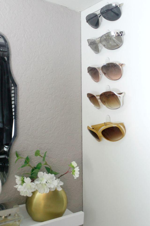 Organizing Sunglasses – command hooks