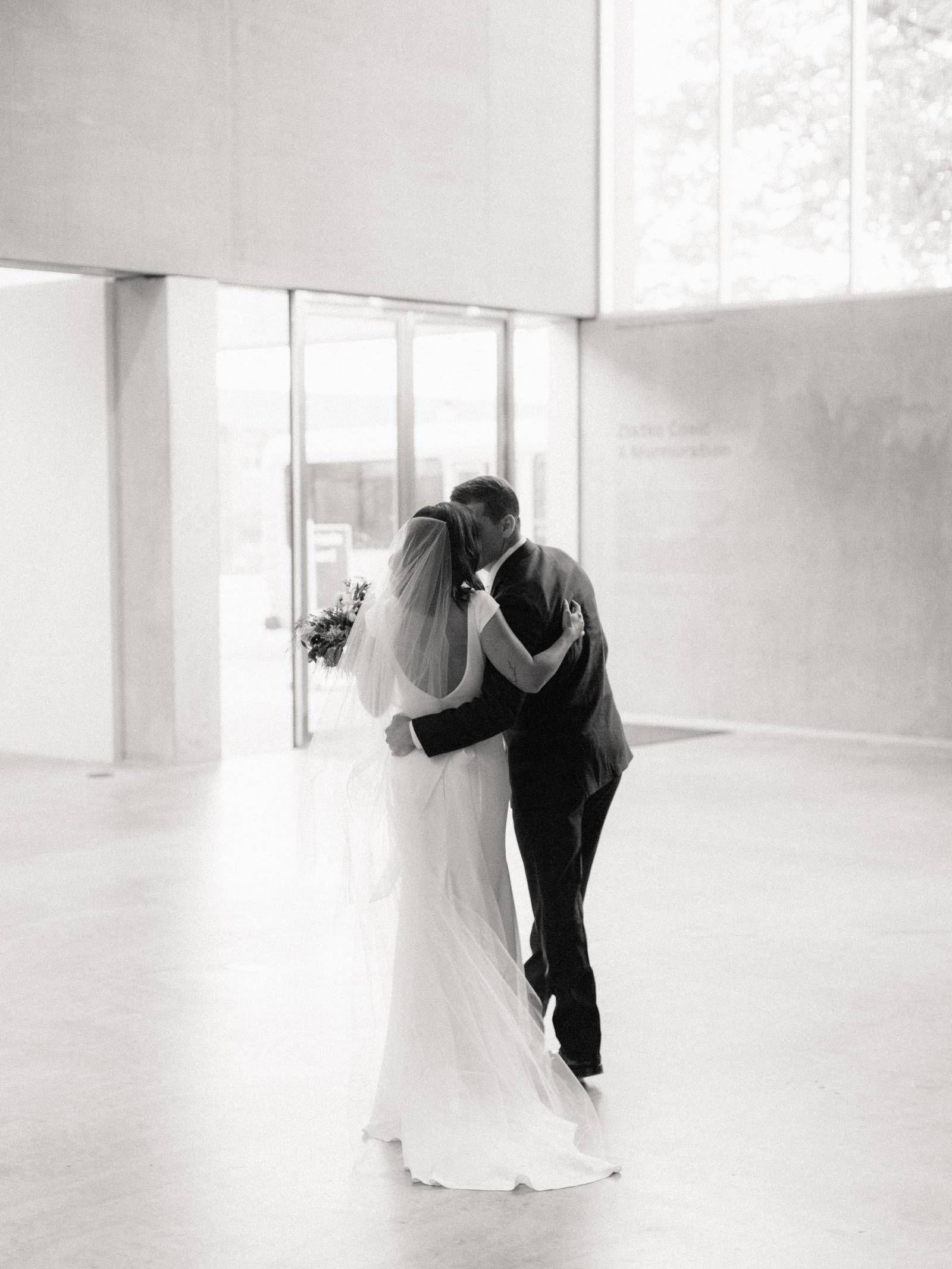 Modern minimalist wedding in st louis missouri via magnolia rouge