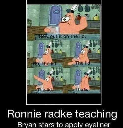 Ronnie Radke Teaching Bryan Stars To Apple Eyeliner