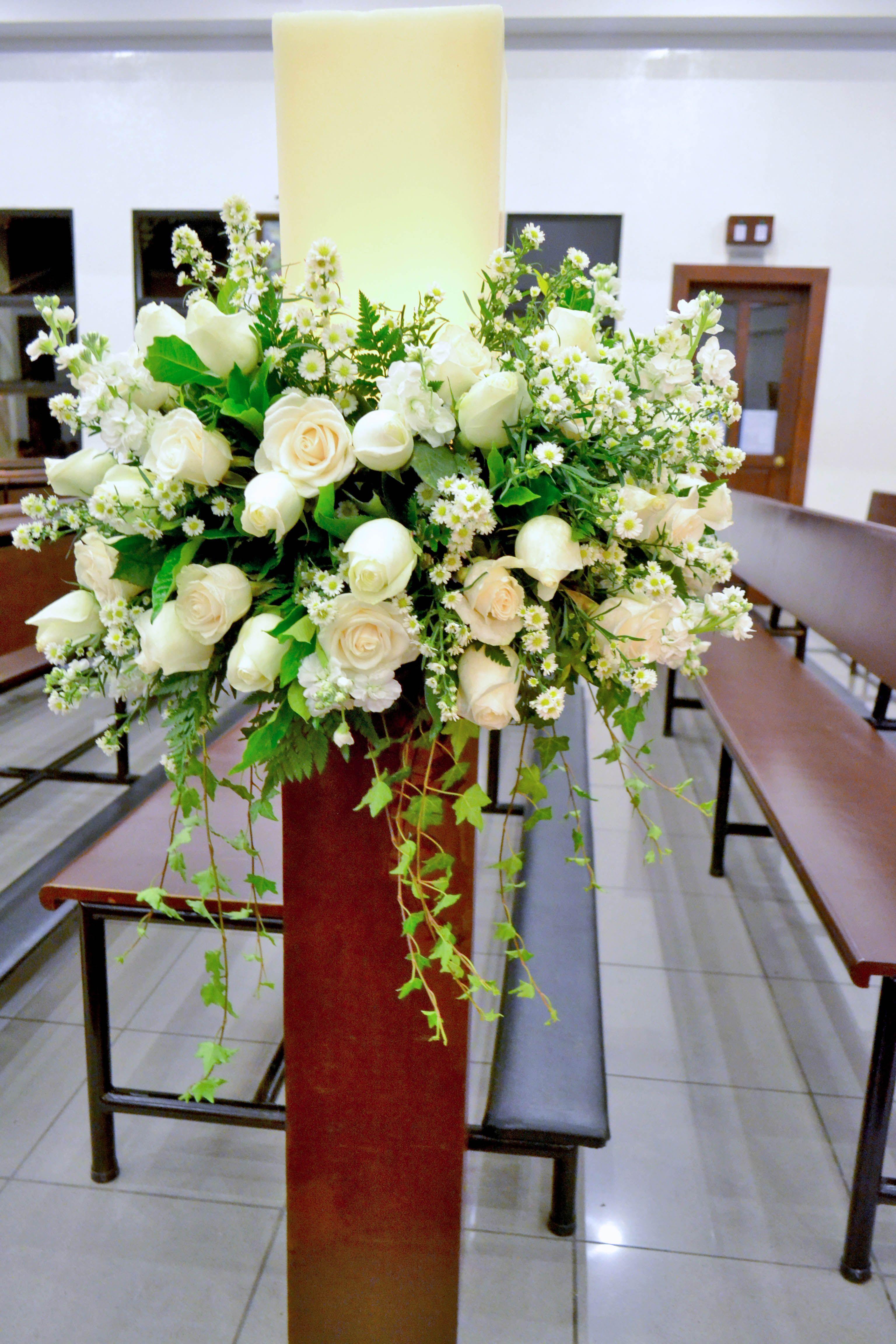 Decoraci n con rosas de ecuador montecasino blanco for Decoracion de velas