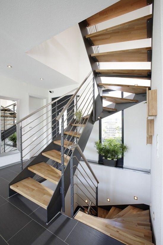 Wohnideen Treppenaufgang fertighaus wohnidee diele flur und galerie treppe